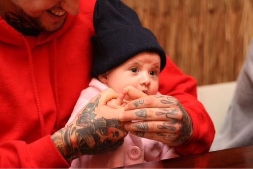 Pais e maes tatuados - Tattooed Parents 04